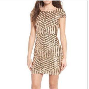 TOPSHOP SEQUIN GOLD DRESS